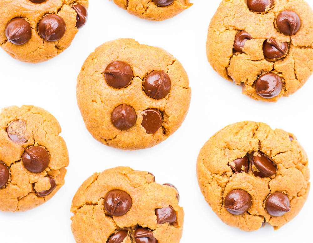 Oil Free Peanut Butter Chocolate Chip Cookies. Vegan/ GF option.